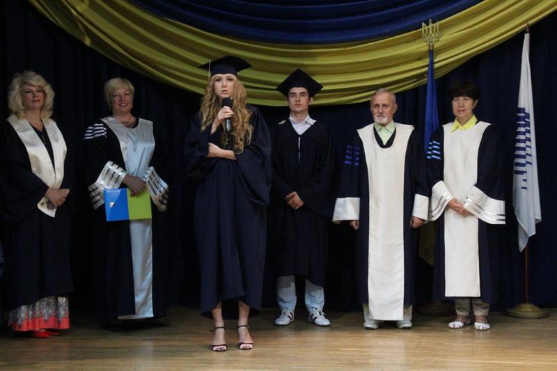 Вручення дипломів бакалаврам ФМВ спеціальностей УАП, МЕ, МЕ-екс 11.07.2016